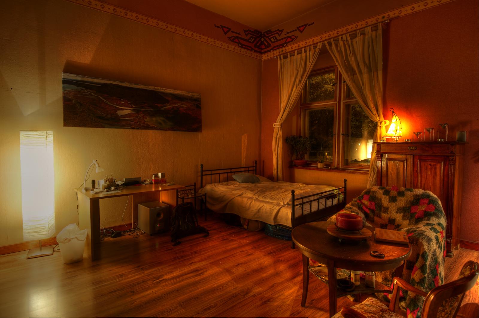 Jetzt Wo Alles Fast Fertig Eingerichtet Ist, Habe Ich Ein Paar Fotos Von  Meiner Neuen Wohnung In Dresden Striesen Gemacht. Morgen Geht Die Uni  Wieder Los!