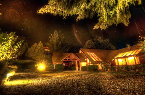 Petit Insula Hotel nachts