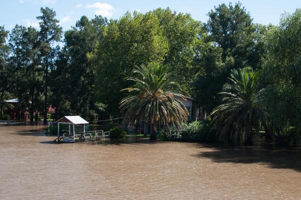Hochwasser auf dem Rio Sarimento