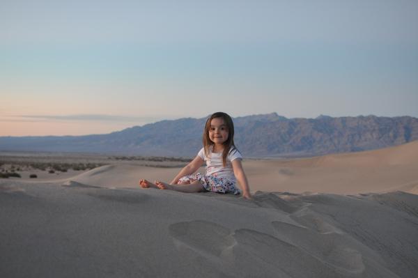 Hermine hat sich über den riesen Sandkasten gefreut