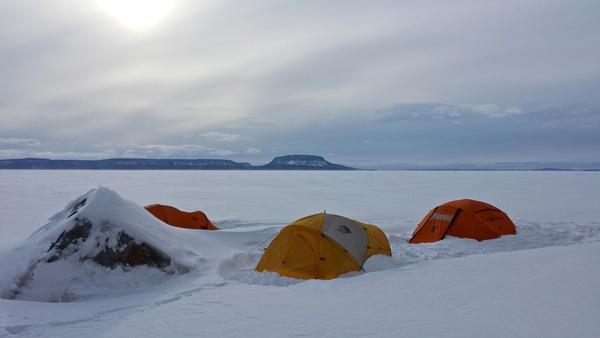 Unsere Zelte nach dem Schneesturm