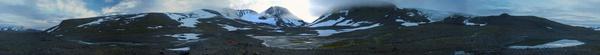 Panorama unseres Zeltplatzes unterhalb des Eisfalls des Svenonius-Gletschers
