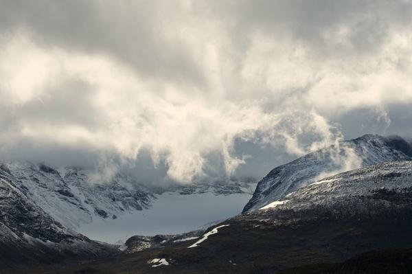 Wolken im Ähpár-Massiv