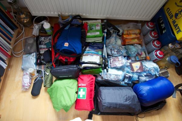 Maxis Ausrüstung vor dem Einpacken