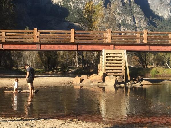 Beim Baden im Merced River